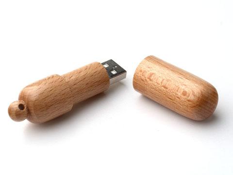 สั่งผลิต รับผลิตแฟลชไดร์ฟไม้ รูปแคปซูลยา มาพร้อมรูสำหรับสายคล้องหรือพวงกุญแจ