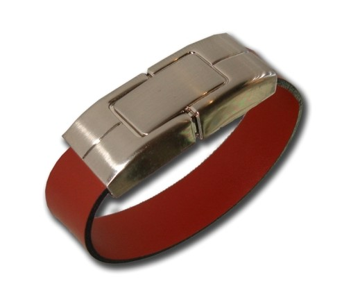 สั่งผลิต ผลิตแฟลชไดร์ฟกำไลข้อมือสายหนังราคาส่ง ตัวเรือน flash drive ทำจากโลหะ