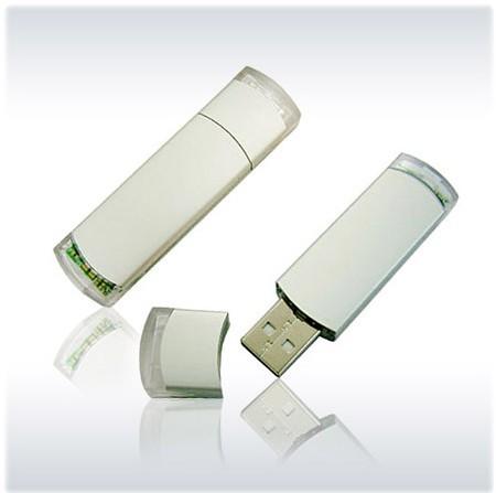 สั่งผลิต Plastic USB Flash Drive ขายส่ง ทรั้มไดร์ และรับผลิต แฮนดี้ไดร์ฟ ราคาส่ง