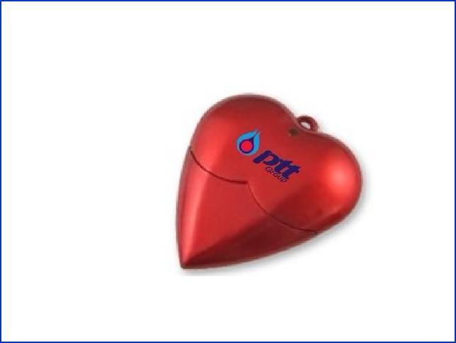 ขายแฟลชไดร์ฟ รูปหัวใจ พร้อมสกรีนโลโก้ PTT เรารับผลิตทรัมไดร์ฟ ราคาส่ง