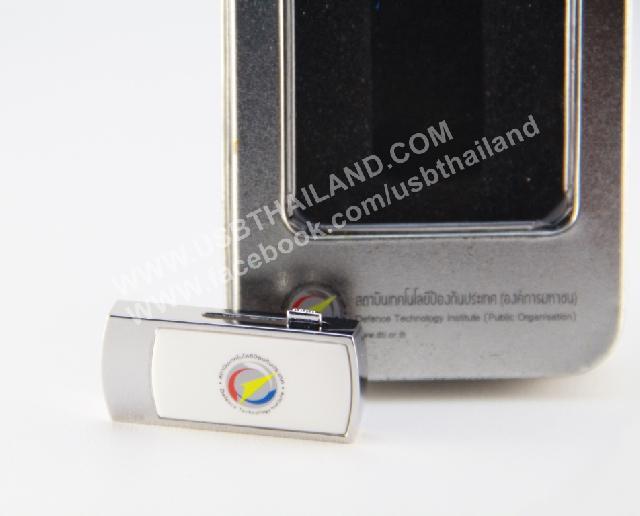 รับทำ flash drive premium gift ผลิตแฟลชไดร์ฟสกรีนโลโก้ พร้อมกล่องอะลูมิเนียม