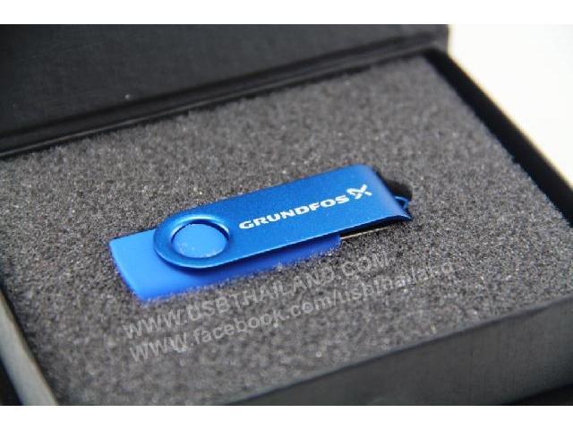 สั่งทำ แฟลชไดร์ฟ สีน้ำเงิน รับผลิต ทรัมไดร์ฟ พลาสติก กล่องกำมะหยี่ ราคาถูก