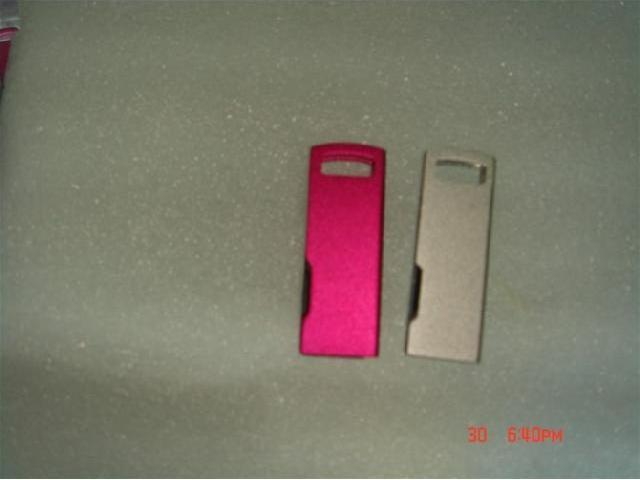 ผลิตแฟลชไดร์ฟโลหะ แบบบาง สกรีนโลโก้ สั่งผลิต thumb drive ประกัน 5 ปี
