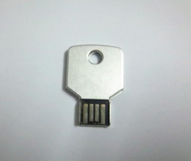 รับผลิต flash drive สั่งทำ ทรัมไดร์ฟกุญแจรถ รับทำ แฮนดี้ไดร์ฟ ราคาโรงงาน