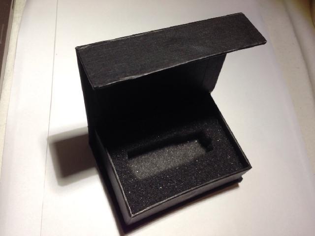 กล่องกระดาษสีดำ ฝาแถบแม่เหล็ก ขนาดเล็ก 85*58*26 mm 2