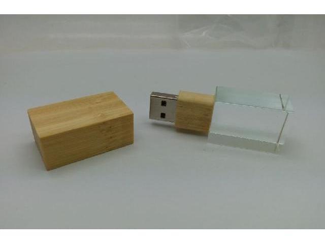 รับทำ แฟลชไดร์ฟแก้วคริสตัล ฝาไม้ สวยงาม รับผลิต Flash Drive สลักโลโก้ ราคาส่ง