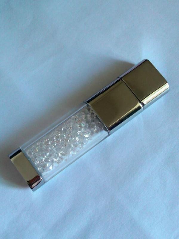 ผลิต Crystal Flash Drive สั่งทำ แฟลชไดร์ฟ คริสตัล สวยๆ เท่ๆ ราคาโรงงาน 2