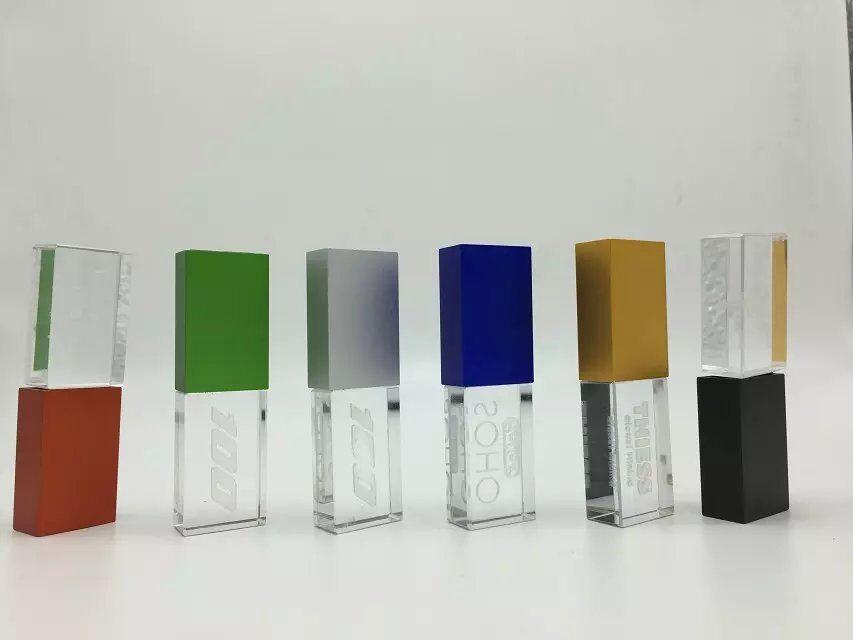 แฟลชไดร์ฟแบบคริสตัลมีไฟ รับผลิต Flash Drive พร้อมสกรีนโลโก้ 2