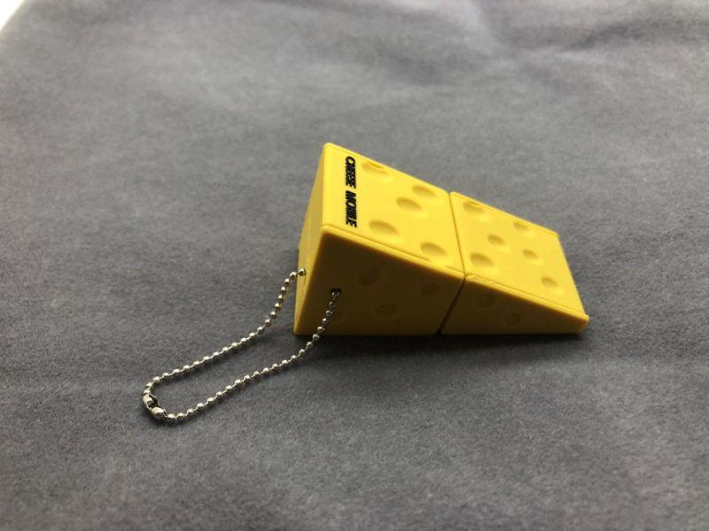 รับผลิต แฟลชไดร์ฟยางหยอด รูปชีส USB รูปการ์ตูน สั่งทำแฟลชไดร์ฟยางพีวีซี