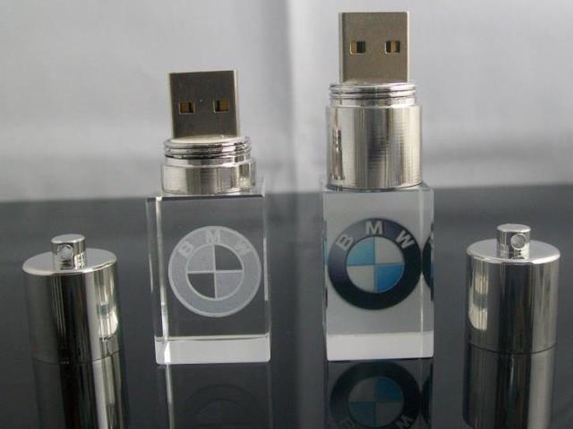 ขายส่ง flash drive แฟลชไดร์ฟ คริสตัล ติดโลโก้ BMW สวยงาม คุณภาพดี