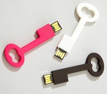 รับทำ ขายส่งแฟลชไดร์ฟกุญแจสีสดใส และรับผลิตทรัมไดร์ เท่ๆ flash drive ราคาถูก