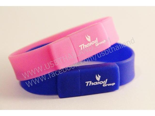 สกรีนโลโก้ ของพรีเมี่ยม ราคาถูก flash drive ซิลิโคนริสแบนด์ สลักชื่อ Thaioil