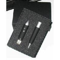 สั่งผลิต แฟลไดร์ฟปากกาโลหะ ด้ามจับเป็นยางกันลื่น พร้อมกล่องสีดํา มีโฟมกันกระแทก