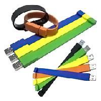 สั่งผลิต รับผลิต กำไลแฟลชไดร์ฟ แบบสายรัดข้อมือ รับทำโลโก้ usb flash drive เท่ๆ