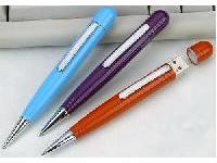 โรงงานผลิตปากกาแฟลชไดร์ฟพลาสติกผิวมันเงา งานดีไซน์เรียบหรู เลือกสีได้