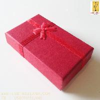 กล่องกระดาษสีแดง ขนาด 70*50*25 mm