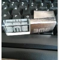 แฟลชไดร์ฟแก้วคริสตัล ฝาพ่นทราย/  USB Flash Drive